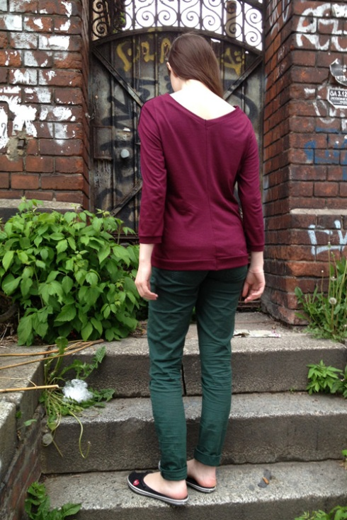 BurdaStyle V-Back Top 106 09/2012
