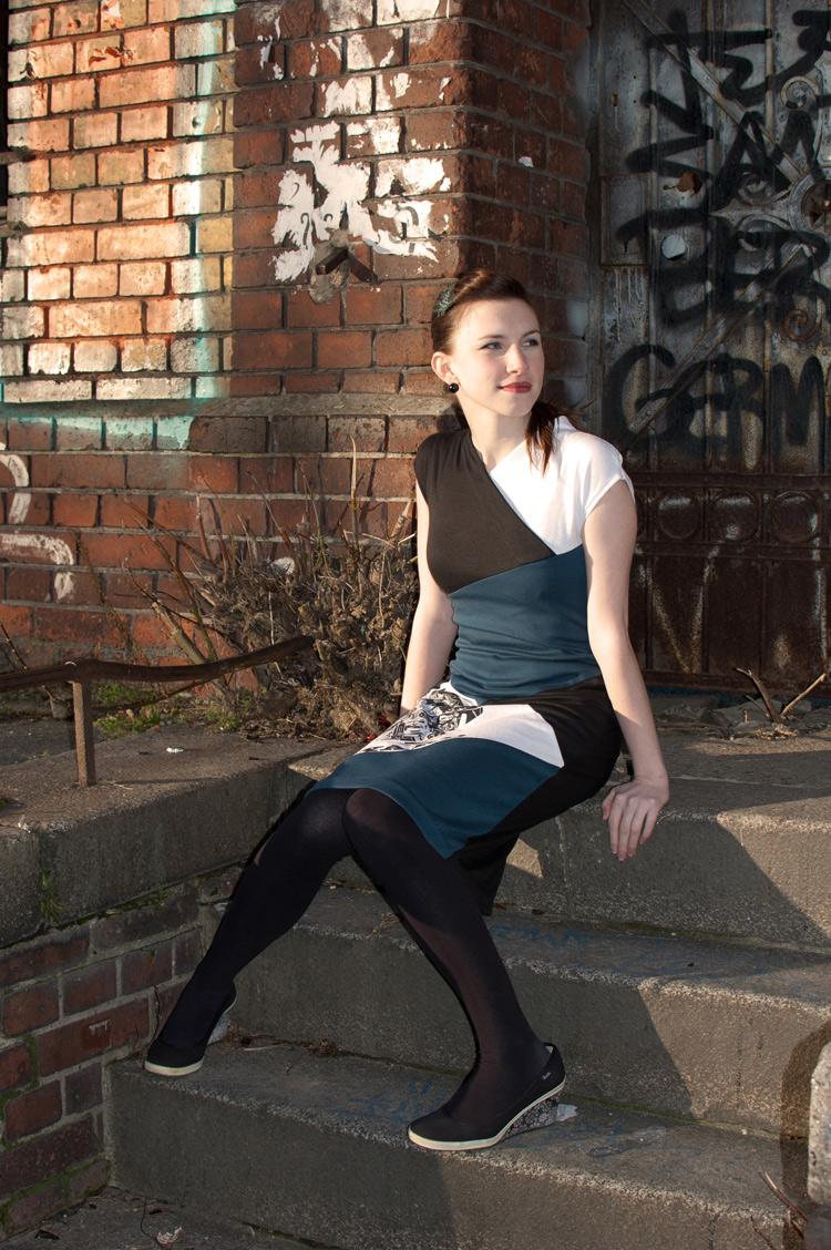 Colourblock dress Burda 02/2012